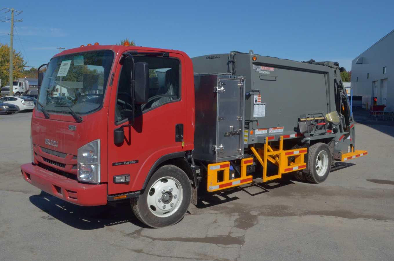 Tracker rear loader